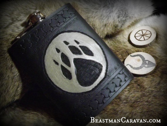 Viking Leather - Druidry - Celtic - Wolf Paw Moon Flask - 8oz Flask
