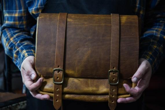 English Tan Leather Messenger Bag / Satchel / Bag of Holding