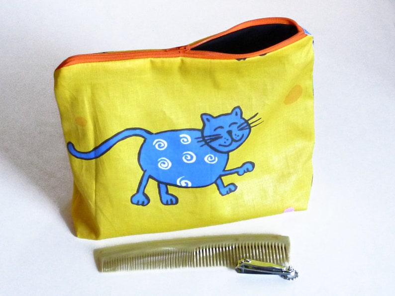 Toiletry Kit Cats image 0