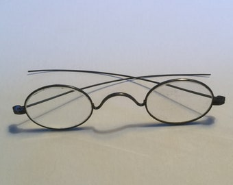 3c8ed8b650b1 Antique spectacles w  eye glass case wire rim spectacles