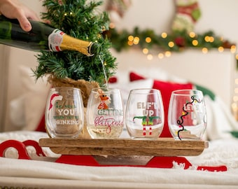Funny Christmas Wine Glasses / Christmas Wine Glasses / Christmas Gifts / Christmas Glasses / Christmas Gifts for Coworkers / Wine Gifts