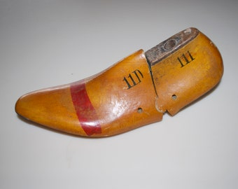 Vintage Wooden Shoe Mold by Leader 11D