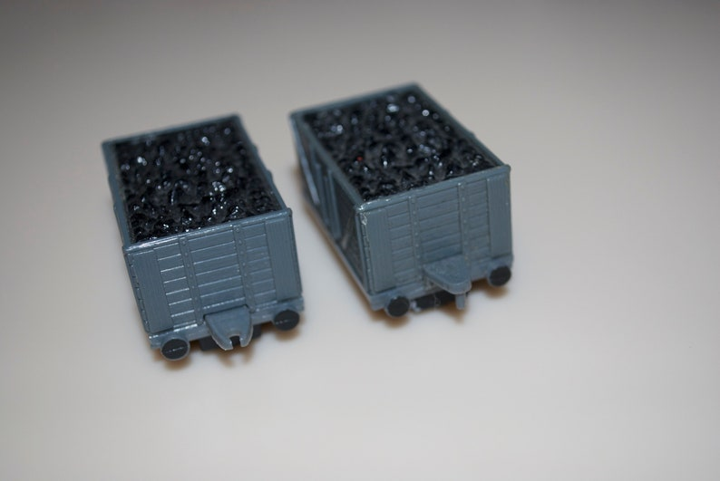 Troublesome Trucks 1990 Thomas Tank Coal Cart Pair Engine /& Friends Plastic Britt Allcroft