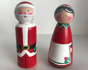Mr and Mrs Claus Peg Dolls