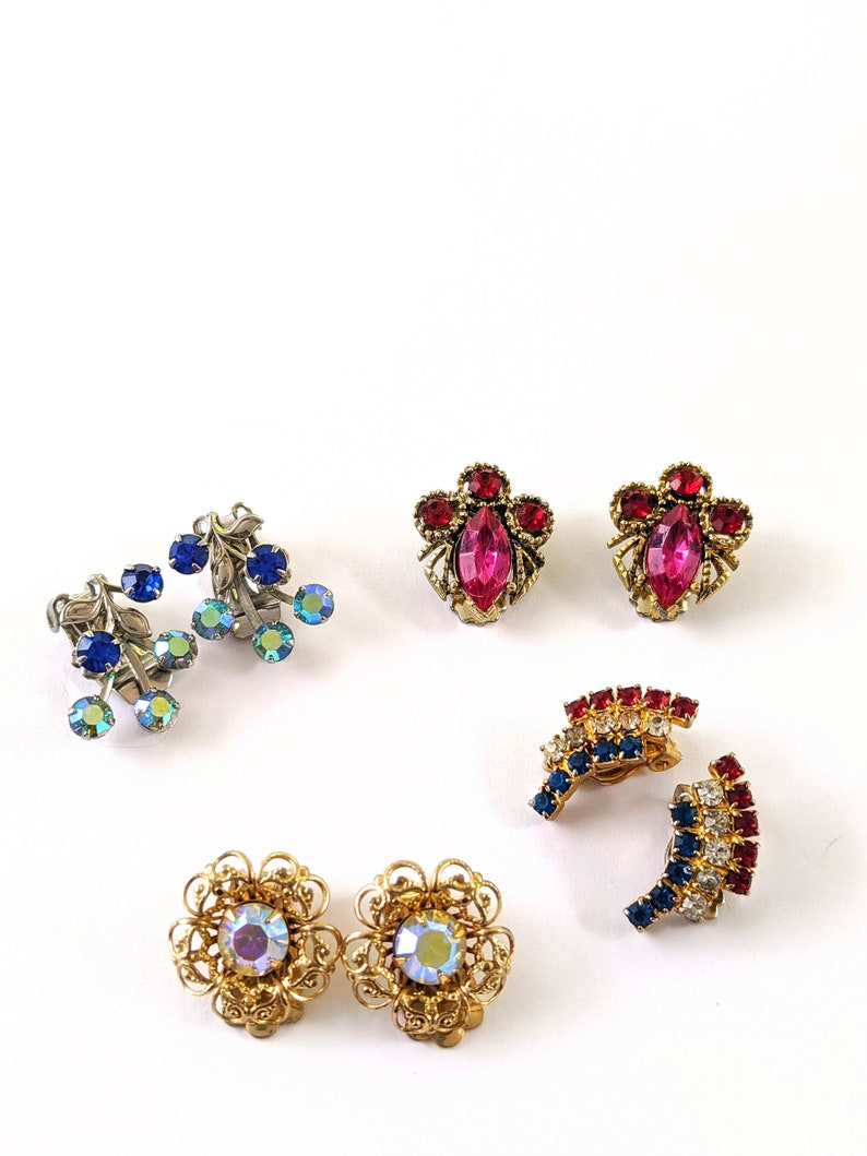 Colorful Vintage Rhinestone Clip On Earrings 1950s Clip On Rhinestone Earrings Trending Vintage Jewelry For Mom