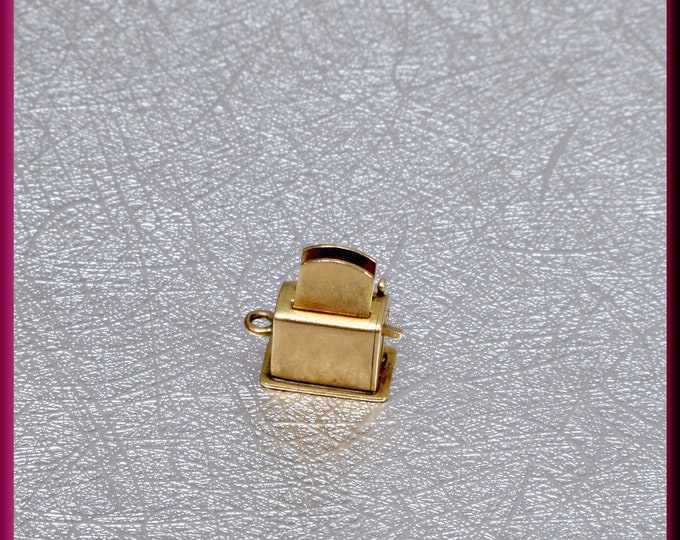 14K Yellow Gold Toaster Charm, Movable Toaster Charm