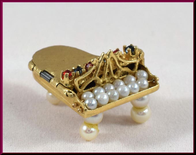 Baby Grand Piano Charm with Pearl Keys Vintage 14K Yellow Gold Charm - C14