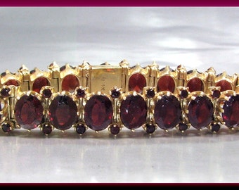 Vintage 14k Yellow Gold Oval Garnet Bracelet - BR 400S
