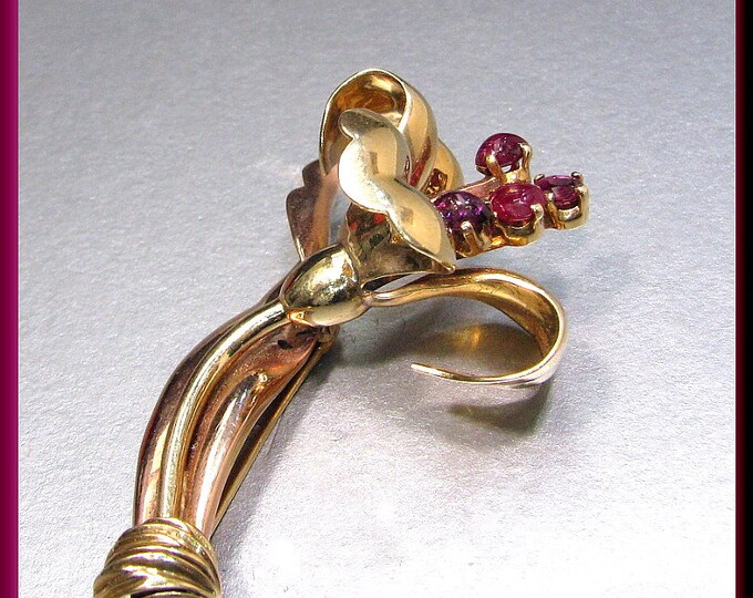 Antique Vintage Retro 1940's 18K Yellow and Pink Gold Cabochon and Baguette Ruby Flower Pin Brooch