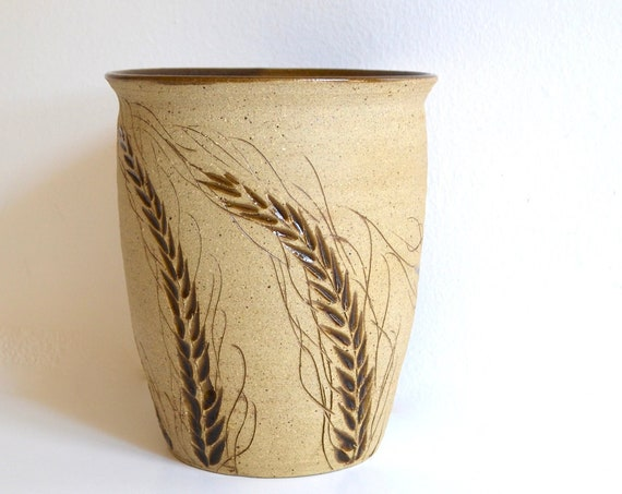 Vintage Ceramic Wheat Design Pot