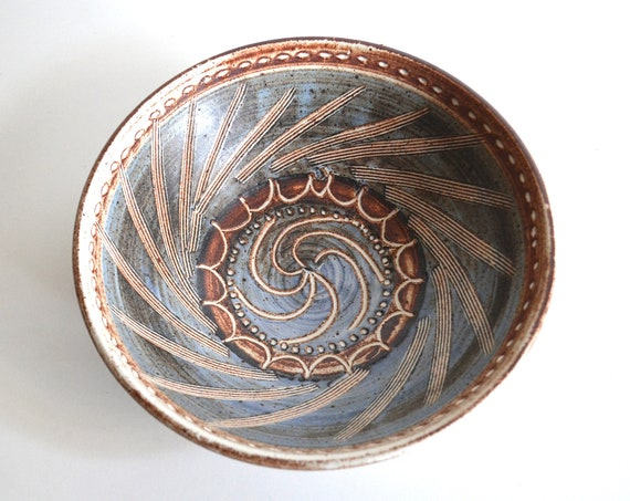 Vintage Pinwheel Patterned Footed Studio Pottery Bowl