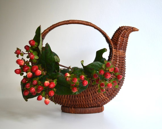Vintage Wicker Bird Shaped Basket