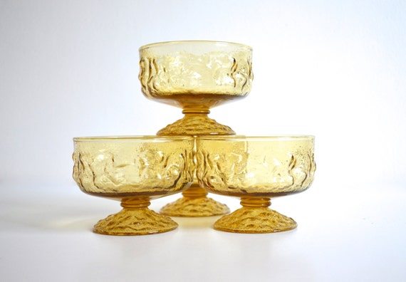 Set of Four Mid Century Anchor Hocking Milano Lido Dessert Dishes in Honey Gold