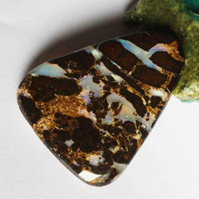 Size 39X32X6 MM Pendant Jewelry Stone Fire Stone Wholesale Price Cabochon AG-5084 High Quality Australian Boulder Opal Natural Cabochon