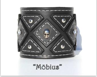 Leather bracelet woman - Womens leather cuff - Biker chick cuff bracelet - Biker bracelet - Leather bracelet cuff - Skull rivets bracelet