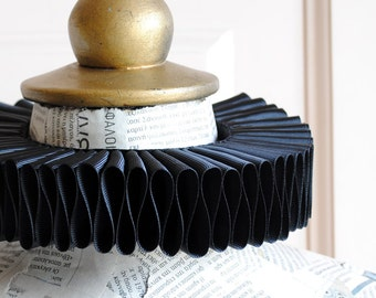 Black Elizabethan Ruff,Gothic Elizabethan Collar,Renaissance Costume,Neck Ruff,Elizabethan Ruffle,Gothic Collar-Custom-Made to Order