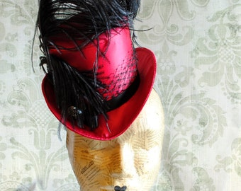 Burlesque Mini Top Hat in Fuchsia,Victorian Cabaret Ladies Hat,Glamorous Fascinator Hat with Ostrich Feather,Showgirl Top Hat-Made to Order