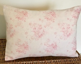 Cushion Cover in Peony & Sage Millie in Powder Pink
