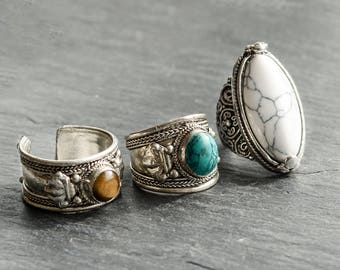 Statement Bohemian White Turquoise Ring -Tibetan Vintage Silver Jewellery-Boho Festival Style -Thumb Rings -Gemstone Hippy-US Size 6/7/8