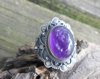 Amethyst ring, purple amethyst ring,size 7 1/2 ring,amethyst rings,purple amethyst rings, gothic amethyst ring, birthstone jewelry,goth ring
