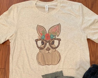 33ec55987 Easter Bunny with glasses tee- - Easter tee - Fun Easter Bunny shirt - Bunny  with glsse tee - cute Easter shirt - Vintage tee-