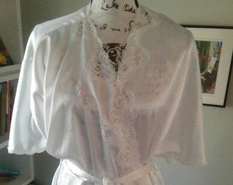 7f128b7f9a Barbizon vintage robe....silky