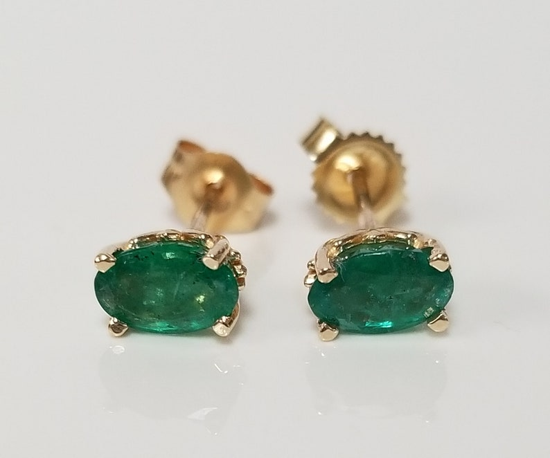 67641846859ce Estate 14k Yellow Gold Natural .80ct Emerald Oval Columbian Gems Stones  Earrings Studs Stud 1ct GS1304-2