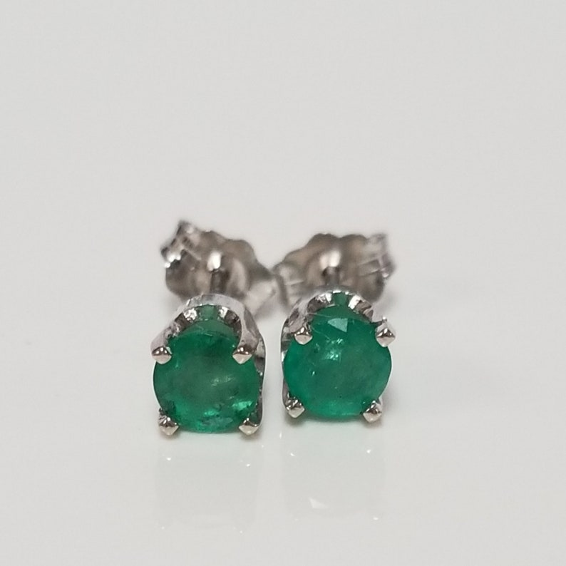 5dc350a5f0b84 4mm Estate 14k White Gold Natural Emerald .50ct Earring Studs Stud GE130-2