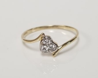 Size 7.5 Estate 10k Yellow Gold Heart Cz .05ct Diamond Ring Sweetheart Scrolling Band G225-1