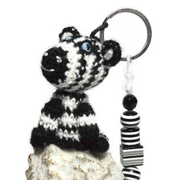 Crochet a key chain of granny squares - Yarnplaza.com | For ... | 581x570