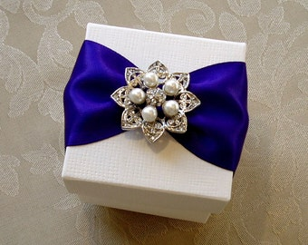 Majestic Pearl and Diamante Wedding Favour. Bespoke. Various Colour Options.