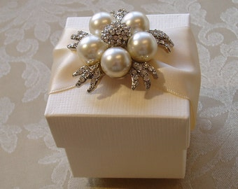 Stylish Pearl and Diamante Wedding Favour. Bespoke. Various Colour Options.