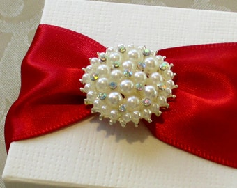 Classic Pearl and Diamante Wedding Favour. Bespoke. Various Colour Options.