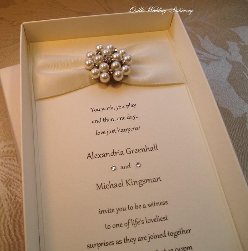 e81446236ba3 Invitación de la boda de la caja. Perla y Diamante de