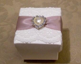 Vintage Style Diamante & Pearl Heart Wedding Favor (Favour). Bespoke. Various colour options.