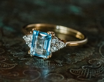 Vintage 1980s Ring Aquamarine and Clear Swarovski Crystals 18k Yellow Gold Electroplated Band March Birthstone Made in USA #R996