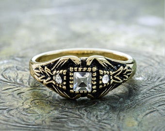 Vintage Ring set with Swarovski Crystals Antiqued 18k Yellow Gold Electroplated R1518
