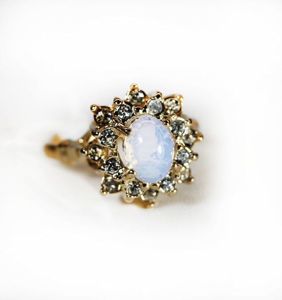 212867f481614 Vintage Pinfire Opal Ring Surrounded with Clear Swarovski Crystals 18k  Yellow Gold Electroplated Made in USA #R174