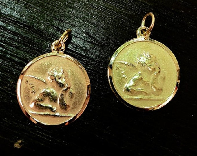 Angel Medallion in 14K Gold