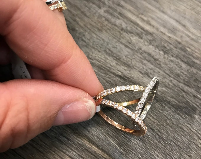 Classic Diamond Band in 14k Gold