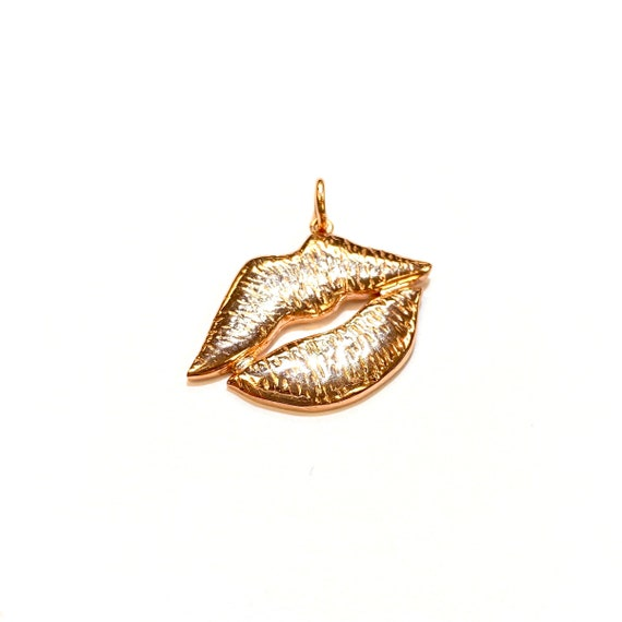 Gold Kiss in 14k Gold