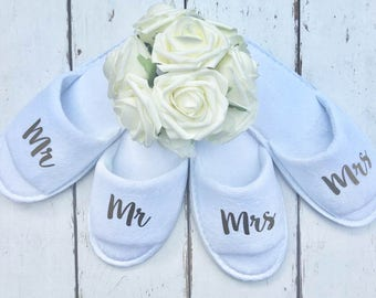 Mr and Mrs • Bridal slippers • Honeymoon • Bridal Party • Newlyweds • Wedding Slippers • Personalised Spa Slippers • Spa Slippers • Gift