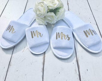 Mr and Mrs Slippers • Bridal slippers • Honeymoon • Personalised Spa Slippers •Wedding Slippers •Couple Slippers •Honeymoon Gift •Mr and Mrs