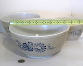 Pyrex Three bowl nesting set, Brown Blue speckle with Blue Homestead pattern