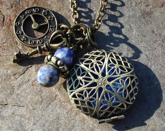Antique Brass Steampunk Aromatherapy Locket, Healing Crystals, Aromatherapy Necklace, Essential Oil Locket, Aromatherapy Jewelry