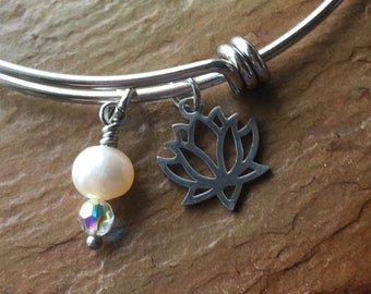 Lotus Pearl and Swarovski Crystal Stainless Steel Bangle Bracelet