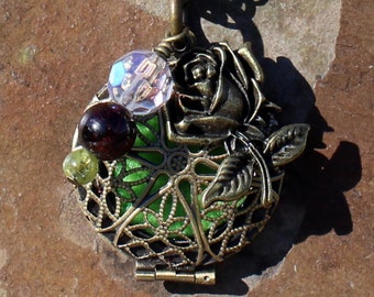 Rose Aromatherapy Locket with Genuine Garnet and Peridot Healing Crystals, Aromatherapy Necklace, Essential Oil Locket, Aromatherapy Jewelry