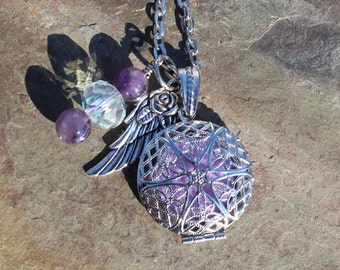 Wing Charm Aromatherapy Necklace with Amethyst Healing Crystals, Aromatherapy Locket, Essential Oil Locket, Aromatherapy Jewelry, Gift Idea