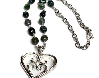 Handmade necklace, Pearls Necklace, GrEEN necklace, weeding necklace, Heart necklace, jewelry set, unique gift, women jewelry