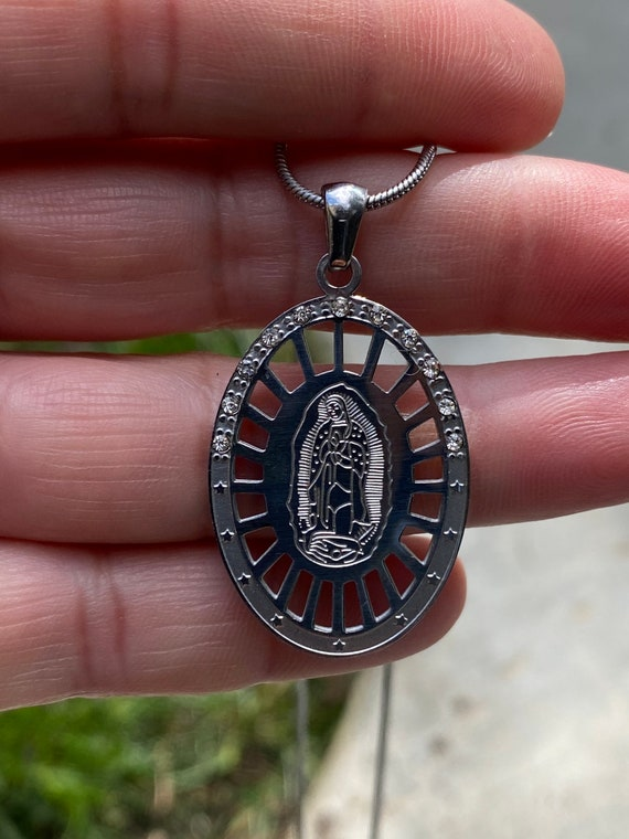 Virgen de Guadalupe Pendant pendant Necklace, Virgin Mary Pendant necklace, Silver Necklace, Saint necklace, Christian Necklace